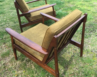 Danish Modern Style Lounge Chairs