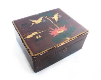 Red Burgundy Lacquered Trinket Box, Jewelery Lacquer Box, Vanity Chest Box, Chinoiserie, Asian Art