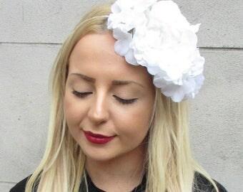 White Hydrangea Rose Flower Fascinator Races Headband Headpiece Ascot Vtg 2307