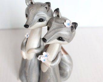 LOVE WOLVES * Wolf Wedding cake topper and keepsake - figurine by Heartmade Cottage