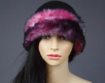 Felted hat /  Black hat and faux fur  / Wool hat / Cloche hats  / Felt/ Free shipping.