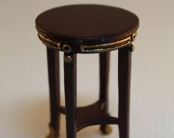 Dollhouse Miniature Bespaq Mahogany & Gold Torchere Plant Stand or Side Table (1/12 Scale)