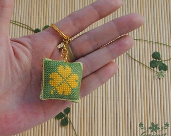Four leaf clover keychain green leaf good luck gift for her best friend keychain handmade embroidered gift for sister gifts for girlfriend
