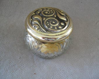 Vintage Avon Vanity Jar w/soap  Avon collectables free shipping in u s a
