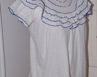 """50s Peasant Blouse, Mexican, Cotton, White Lace, Blue Trim, Top, Size S/M 36"""" bust"""