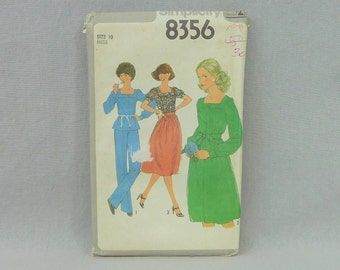 1977 Pattern - Misses' Blouse Pants and Skirt - Uncut Simplicity 8356 - Size 10 - Vintage 1970s Sewing Pattern - 32-25-34