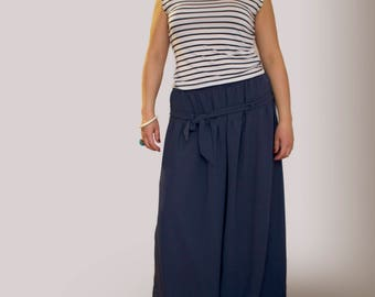 Women's palazzo pants, plus size palazzo pants, wide leg pants. Sustainable clothing, capsule wardrobe. Plus size clothing. Made in Italy.