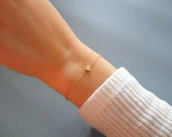 Gold Heart Bracelet, Delicate 14K Gold Filled Heart Bracelet, Minimalist Heart Bracelet, Thin Gold Filled Bracelet, Everyday Bracelet,  #516
