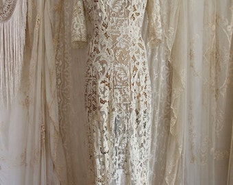 Breathtaking Elaborate Antique Lace Wedding Gown / Museum / Edwardian / Victorian / 1900's /  Size M