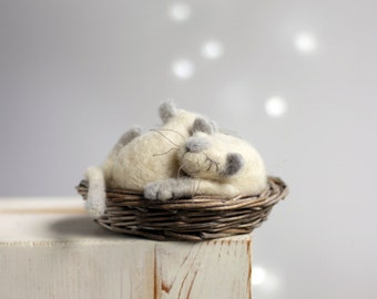 Needle Felt Cats In Basket - Dreamy Cats In Basket - Needle Felt Cat And Baby Cat- Summer Cottage Decor - Lazy Cats In Basket - Art Dolls