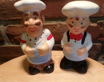 Chef Salt and Pepper shakers, Chef décor, Chef kitchen, French Chef Kitchen shakers, Chef table décor, Large Chef Shakers, Fat Chef decor
