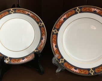 16 WEDGWOOD CHIPPENDALE PATTERN, Bone China, 8 B&B  and 8 Small Round Plates