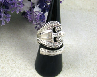 Large unisex SPOON RING Sterling Silver, bypass ring, upcycled from vintage / antique spoon ('Old Colonial', Pat 1895 ). Custom size.