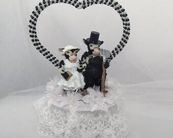 Animal Wedding Cake Topper-Cow Wedding Cake Topper- Bride and Groom- Mr and Mrs- Farm Wedding-Outdoor Wedding- Wedding Keepsake