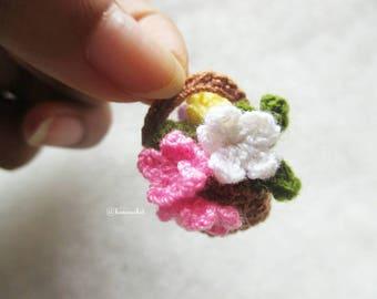 Mini flowers basket crochet : crochet,flowers, handmade, craft, crochet flower, mini flowers, handmade Thailand, Thai doll, bancrochet,rose