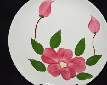 Rio / Stetson / dinner plates / 1950s / hand painted / under glaze / pink / flower / buds / green leaves / Set of 4 / Stetson / plates