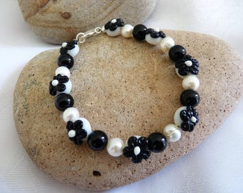 Unique Black White Lampwork Glass Bead Bracelet