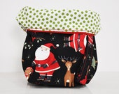 SANTA iN THE WOODS w/green polkadot inside | project bag