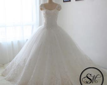Ball Gown Wedding Bridal Dress with Chiffon Skirt Cap Sleeves Sleeveless Chiffon Tulle Skirt Lace Up Embroidery Court Train