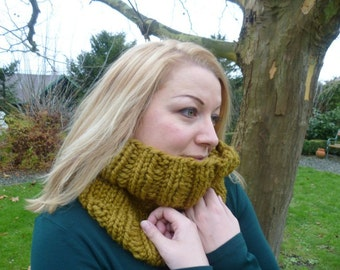 Loop, cowl yellow/green, knit cowl, scarf