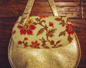 Vintage 1960's Gold Tapestry Purse.