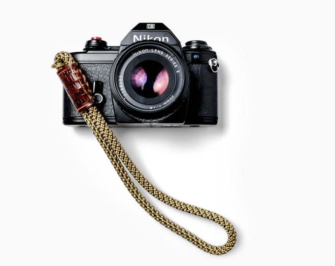 "The ""Red Point"" Camera Strap"