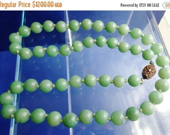 159--Antique 1900s Chinese Hetian mine nephrite green jade (纯色和田碧玉)beads necklace w. silver clasp
