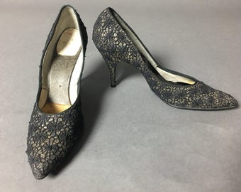 Vintage 50s heels / SPIDER WEB heels / vintage shoes / vintage gold black heels / gold glitter shoes / vintage stilettos / 50s heels / 7