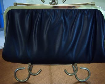 vintage purse,clutch purse,black vinyl,gold metal frame,gold metal clasp,cream vinyl,vintage accessories,formal,special occasion,evening bag
