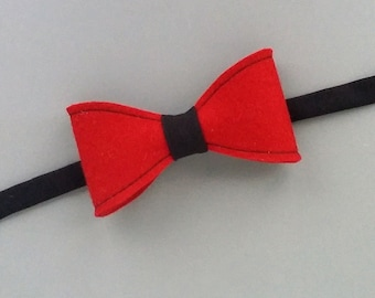 Red Black natural felt bowtie Merino wool felted bow tie Original gift for him Classic accessory Anniversary gift Handmade Adjustable strap