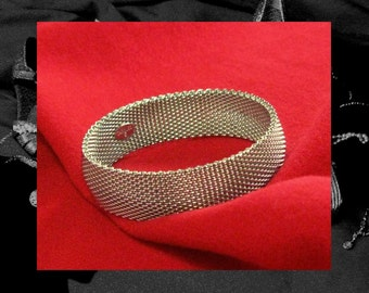 METAL MESH BANGLE bracelet, 80s vintage Carolee silver bangle, supple flexible vintage bangle, classic vintage bangle, ProperLadyVintagePro