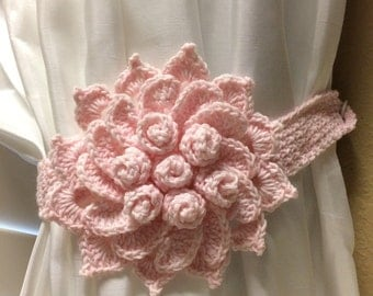 Crochet Curtain Tiebacks - Light Pink Flower / 1 pair