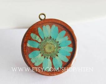 2pcs Handmade Blue crystal chrysanthemum flower wood Resin Pendant Charms -flower  Wood jewelry - 25mm 30mm Flower Pendant -DIY Jewelry