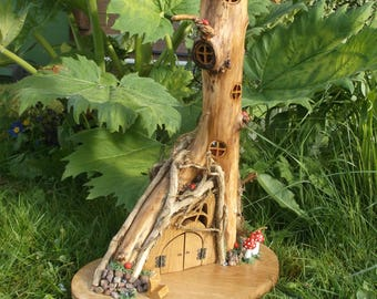 The ivy tower – outdoor ready wooden  fairy house with LED lights Feehaus Gartendekoration