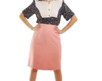 Vintage Blouse.Blouse.Navy And Beige Floral Print Vintage Shirt For Women 1970s.70s Fashion. Floral blouse. Blouses.Retro. vintage clothing