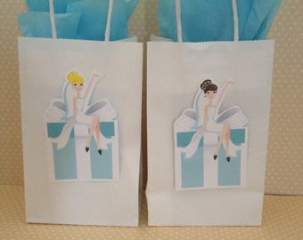 Bride on a Box Party or Bridal Shower Bags with Handles - Set of 10