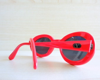 VALENTINO V697 red vintage sunglasses made in Italy small