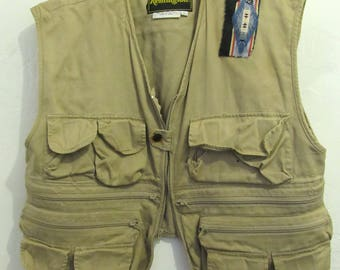A Ratty Vintage 70's,Tan Khaki REMINGTON Zip Front HUNTING VEST.L