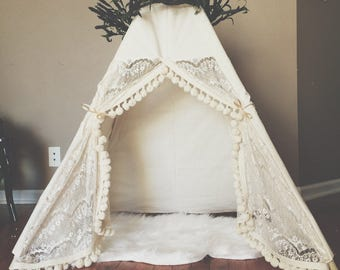 The Cream Lace Itty Bitty Teepee with SCALLOPED LACE