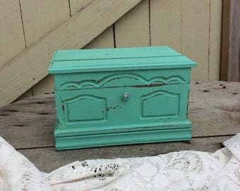 """Vintage """"Made in Japan"""" Shabby Chic Mint Green Jewelry Box"""