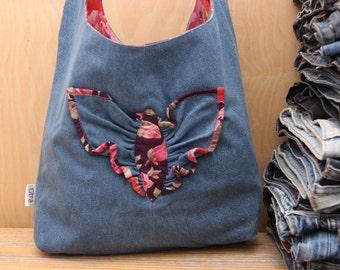 Denim bag, denim shoulder bag , recycled denim bag , upcycled denim bag , jeans shoulder bag, handmade denim bag , denim purse , handbag