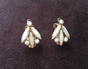 Vintage White Milk Glass Rhinestone Earrings 0900