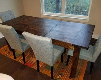 Expanding Dining Table W/ Leaves