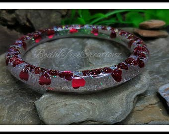 Resin bangle-Red Hearts/Silver rainbow glitter