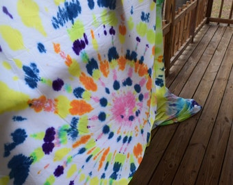 The Tie-Dyed Flat Sheet