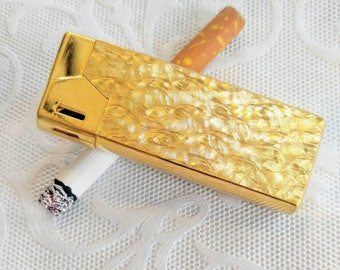 VINTAGE Gold Maruman Butane Lighter-No, that's not a real cig lol-Very Cool Functional Piece-Metal Etched-Ex Cond-All Orders 99c Shipping!!