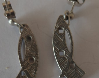 Vintage Pair of Scottish Carrick Jewelry Silver Earrings 23mm long x 7mm wide - FREE UK POSTAGE.