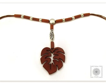 Contemporary bib leather jewelry, Modern leather necklace with leaf monstera, Boho chic jewelry.