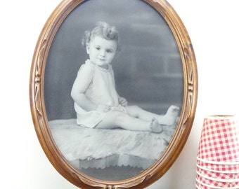 Antique wooden frame - Oval frame - Old baby photo - Old black and white photo - Antique photo - Round Frame - Wood