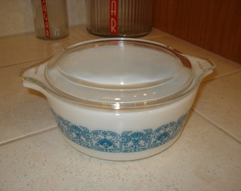 Vintage Pyrex Horizon Blue #472 1 1/2 Pint Round Casserole With Lid